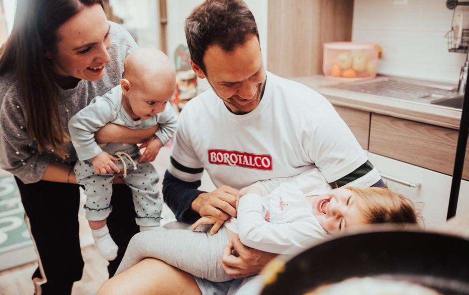 Kako Jure Marolt prvič v življenju speče jajce na oko (VIDEO) (foto: Promocijsko gradivo)