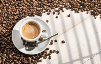 Koliko skodelic kave je varno spiti na dan?