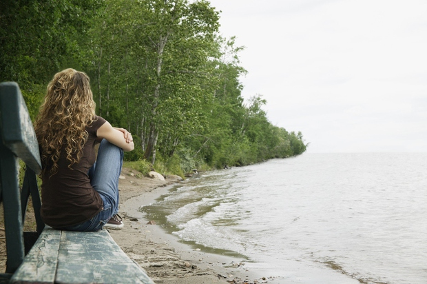 ZLOMLJENO SRCE NEKATERE POVSEM POBIJE. Tudi ko spoznajo novo osebo, njihova srca ostajajo zaprta. Strah pred bolečino je enostavno prevelik! …
