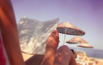 5 knjig, ki jih morate prebrati to poletje