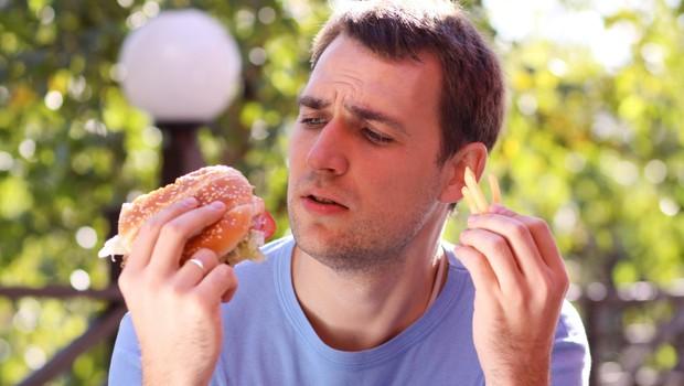 Moški, hitra hrana pobija vaše spermije! (foto: Profimedia)