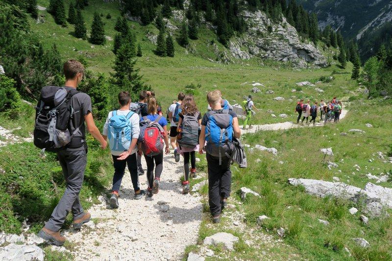 Planinske poti niso turistične poti in zahtevajo primerno opremo in usposobljenost.