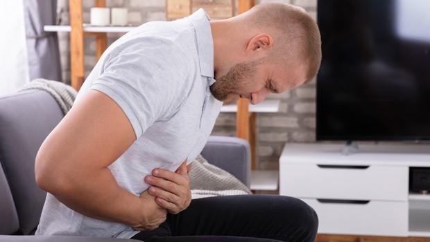 Vse več mladih moških zboleva za rakom debelega črevesja - TO so znaki, da morate takoj na zdravniški pregled (foto: Profimedia)