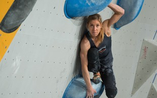 """Plezalka Mina Markovič: """"Plezanje človeku ogromno da."""""""