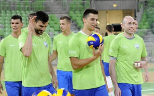 Slovenski odbojkarji po olimpijsko vozovnico