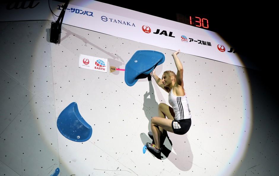 Janja Garnbret je postala še drugič zapored svetovna prvakinja v balvanskem plezanju (foto: Manca Ogrin)