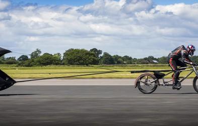 Rekord Britanca - s kolesom preko 280 km/h, a absolutni rekord ima ženska (VIDEO)