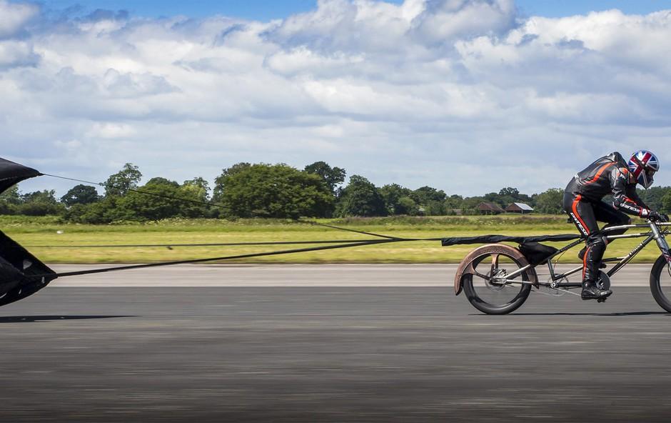 Rekord Britanca - s kolesom preko 280 km/h, a absolutni rekord ima ženska (VIDEO) (foto: profimedia)