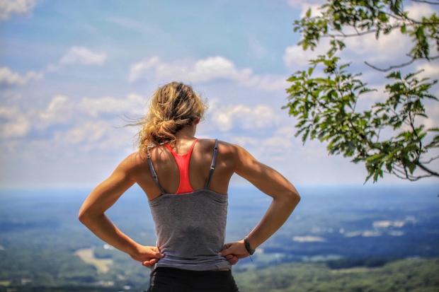 Seveda je potrebno paziti, da ne pridemo na »vadbo« s preveč polnim želodcem, zato velik obrok jejte najmanj dve uri …