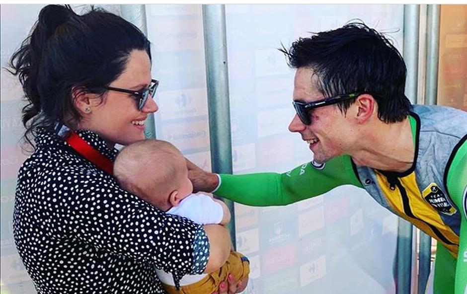 """Mali Lev in Lora - največja navijača in motivacija """"rdečega"""" Primoža Rogliča (foto: Instagram)"""