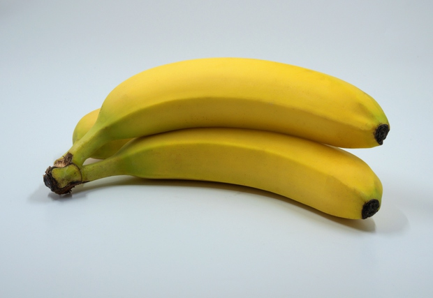 Banane Raziskave kažejo, da lahko tri banane na dan znatno zmanjšajo (povečan) krvni pritisk. Zaradi visoke vsebnosti kalija nevtralizirajo raven …