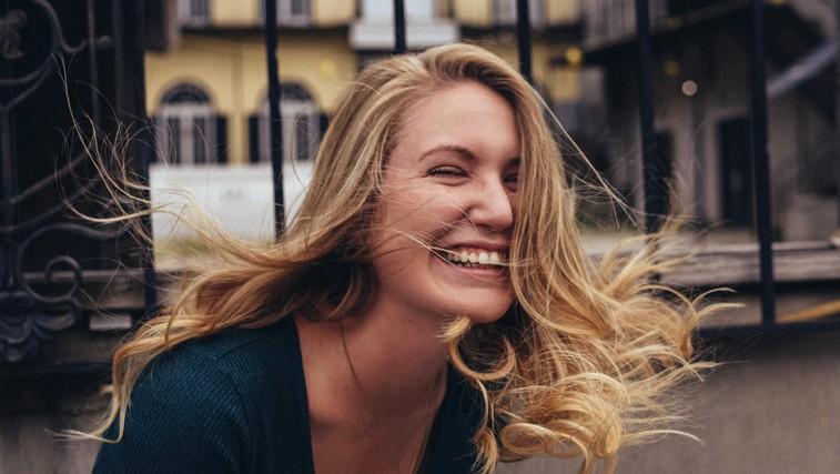 8 skrivnosti nasmejanih in pozitivnih ljudi (foto: unsplash)