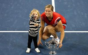 Na teniška igrišča se vrača zmagovita mati treh otrok