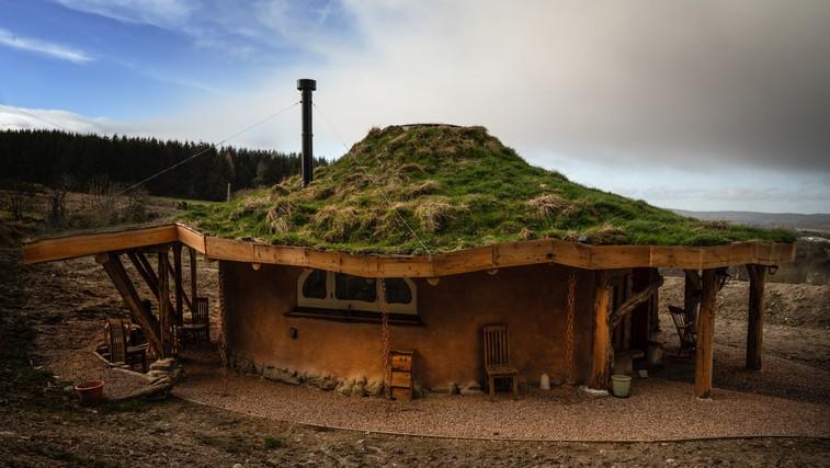 Prespite v  hobbitovi hiški na Škotskem (foto: Profimedia)