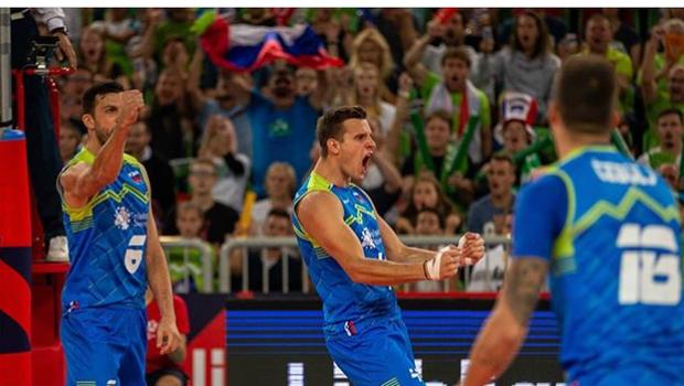 Zmagovalna norija v Stožicah: Slovenija je v polfinalu! V četrtek igra s Poljsko! (foto: Instagram OZS)