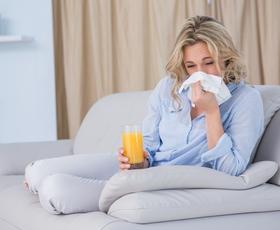 Kadar ste bolni, se izogibajte tej hrani in pijači!