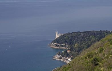 Izlet, ki diši po morju: Napoleonova pot nad Trstom, kjer razgledi polnijo vašo dušo
